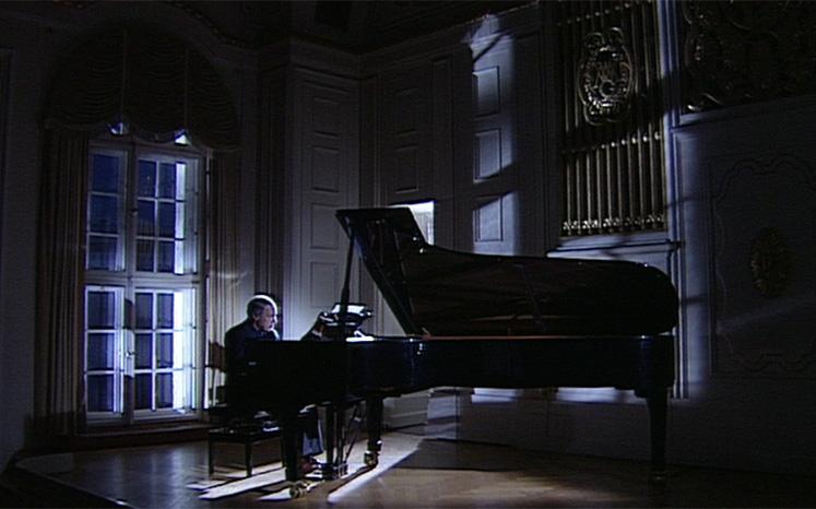 Boulez plays Boulez